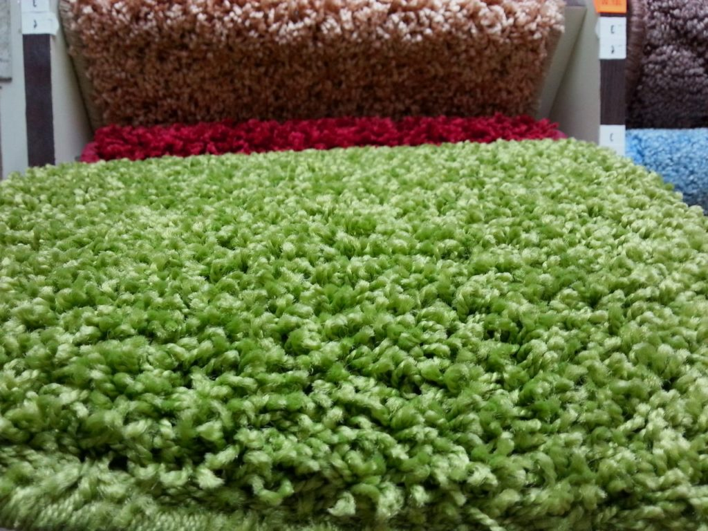 Вычурный шерстяной ковролин - великолепное решение для спальни