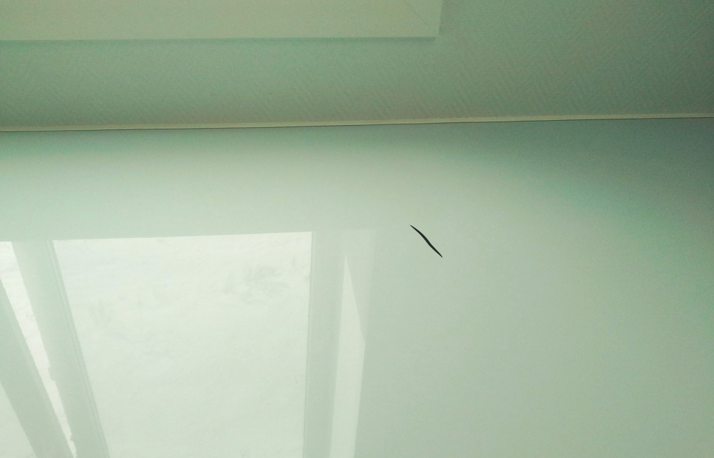 Ремонт натяжных потолков после пореза цена москва