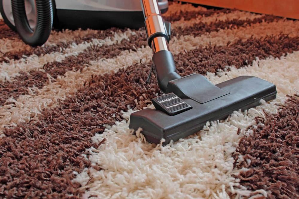 Уборка ковролина пылесосом