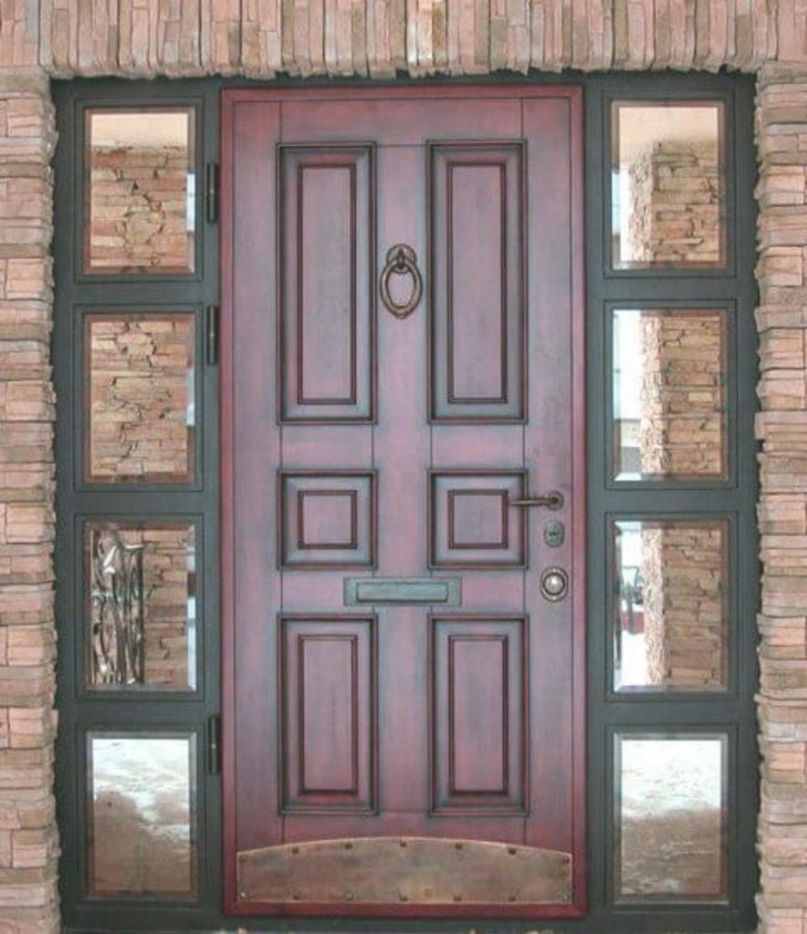 Входная дверь - лицо частного дома
