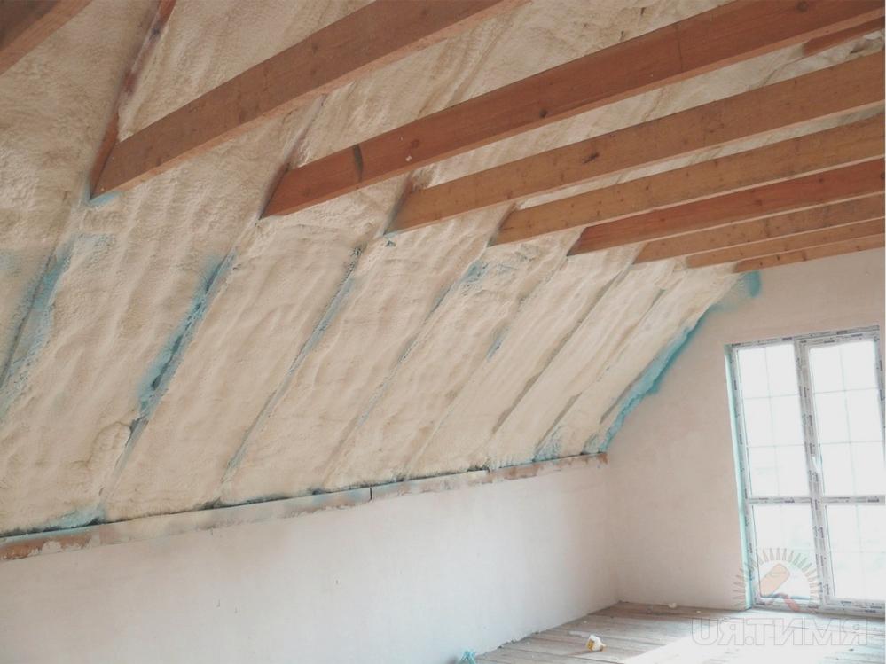 Иногда утепление крыши частного дома выполнить гораздо сложнее чем утепление многоквартирного дома