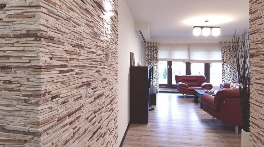 Декоративный камень из гипса в квартире смотрится роскошно