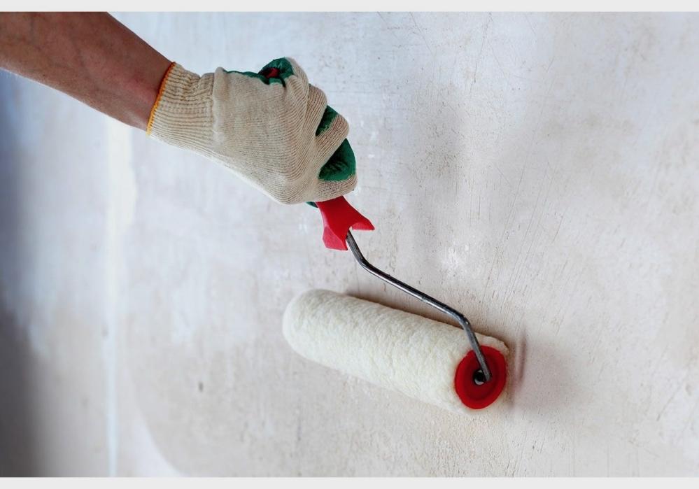 Инструменты значительно облегчают подготовку стен под покраску