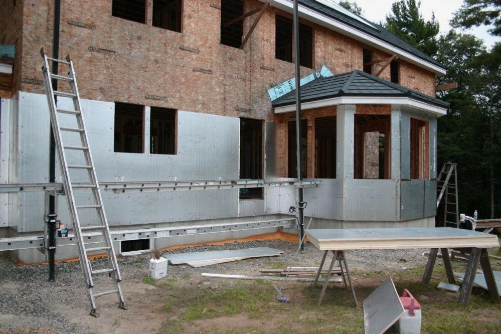 Процесс возведения частного дома сложен только на первый взгляд