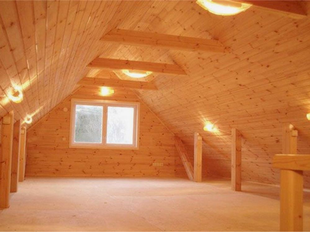 Чердак - самый уязвимый элемент деревянного дома
