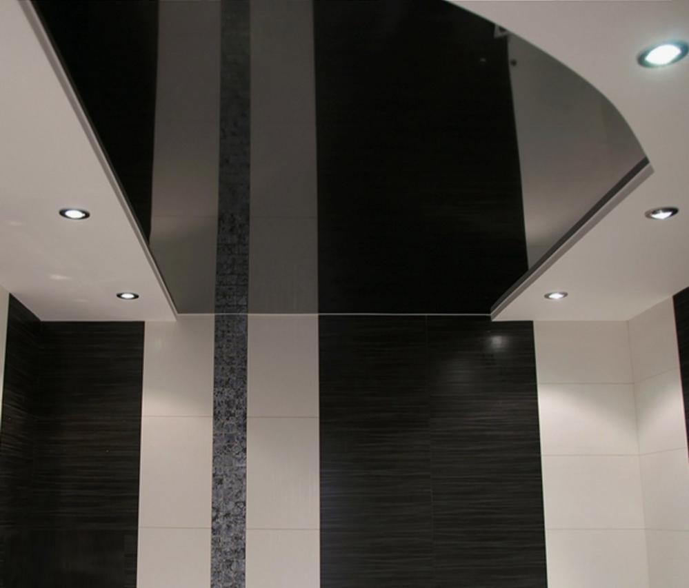 С черным потолком будет идеально смотреться объемная люстра