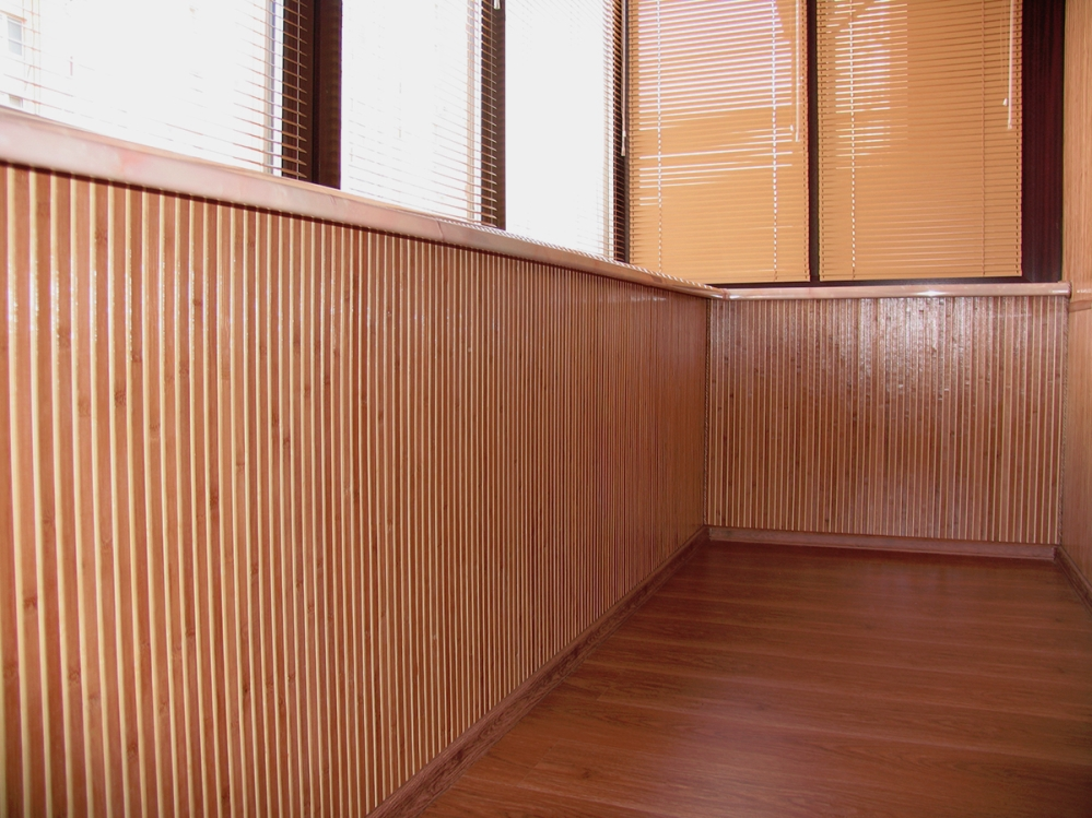 Создавая дизайн деревянного дома нужно иметь в виду, что не все стили органично будут смотреться в таком жилище
