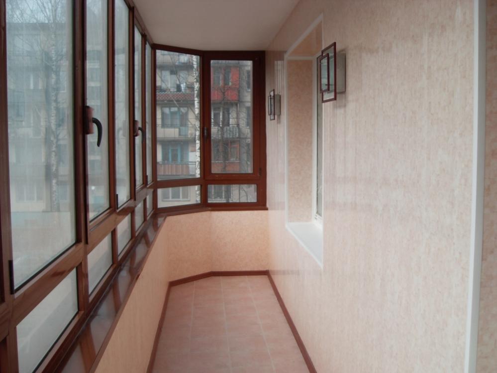 Балкон может быть изысканным даже в условиях хрущевки