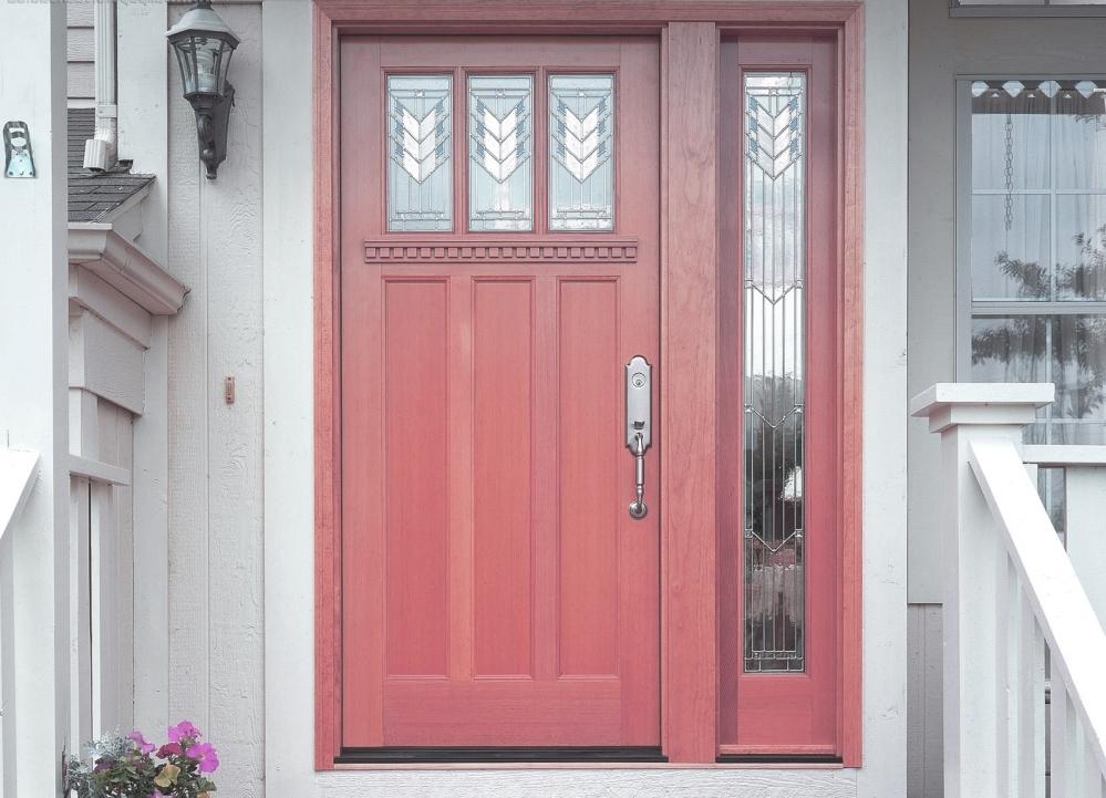 Красивая дверь - лучшее украшение любого дома