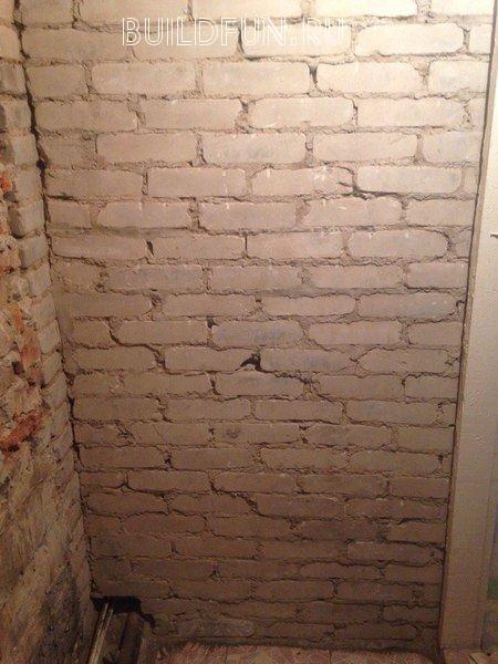 Подготовленная и размеченная стена