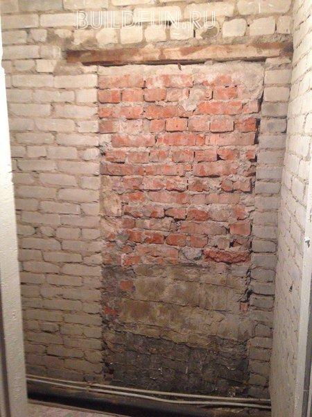 Черновая стена из кирпича под штукатурку