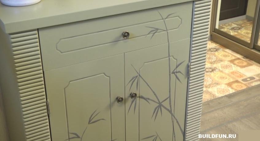Пример мебели с необычным орнаментом