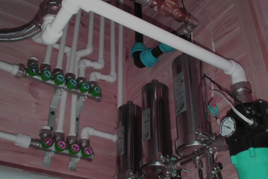 Расскажем о проделках водоканала в частном секторе и о том как они отрезают определенные дома от водоснабжения