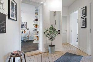 Белые стены в частном доме - это красиво и стильно...