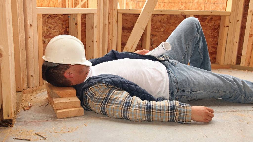 Узнаем какие специалисты ремонтируют квартиры и как выбрать грамотного подрядчика. Актуальное исследование по ремонту квартир в Москве без рекламы...