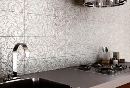 готическая стеклянная плитка фартук на кухне