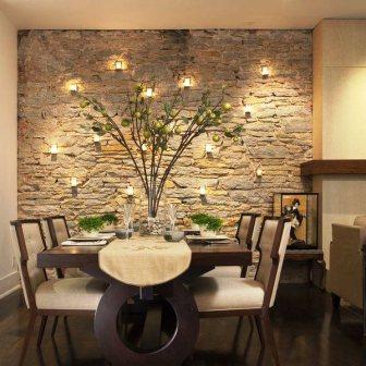 оформление стены камнем и зеленью