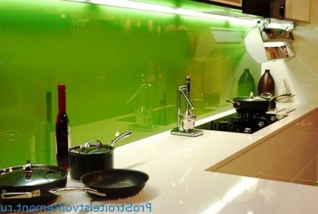 зеленое стекло на фартук